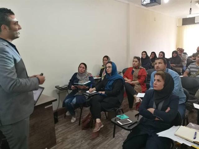فضای مجازی ظرفیتی مناسب برای عرضه و فروش محصولات صنایع دستی بوشهر است