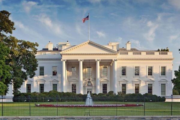 کاخ سفید از همکاری درباره تحقیقات استیضاح ترامپ خودداری کرد