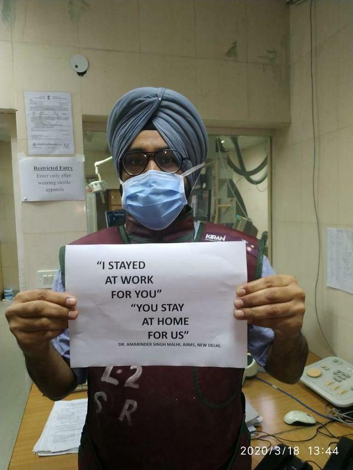 برای شما سر کار حاضرم، شما هم برای ما در خانه باشید! دعوت پزشکان و پرستاران سراسر دنیا از مردم برای ماندن در خانه ها