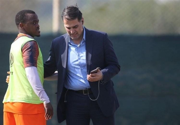 چرا این بازیکن از آفریقا برنمی شود؟