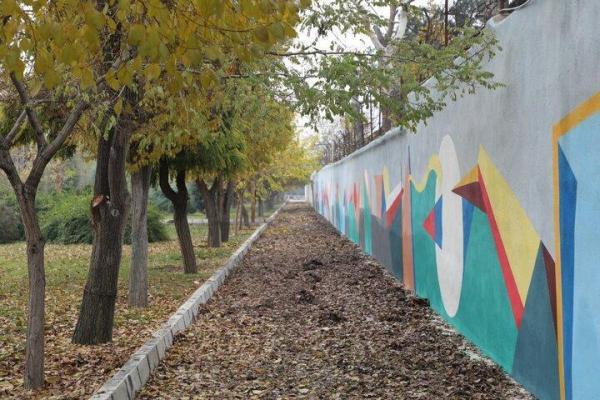 نمایش طیف گسترده رنگ ها بر دیواره های بوستان نرگس در منطقه 19