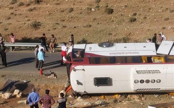 راننده در حادثه واژگونی اتوبوس خبرنگاران مقصر بوده است