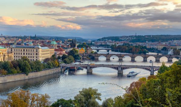 چگونه از سفر به پراگ لذت ببریم؟ ، فروش آنلاین بلیط هواپیما به مقصد پراگ