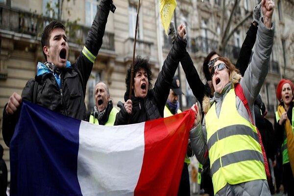 تور فرانسه: اعتراض صدها جلیقه زرد در اعتراض به بی عدالتی در پاریس
